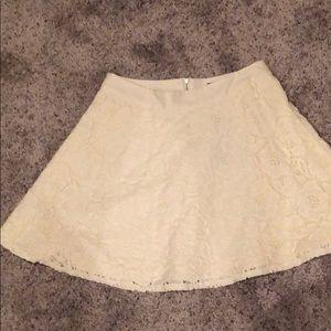 The limited ivory crochet lace skirt sz 0 petite